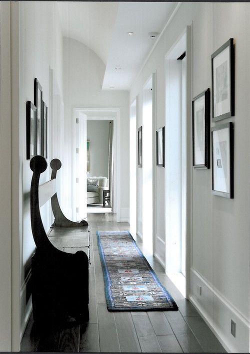5 trucos infalibles para pasillos estrechos y oscuros - Decoracion pasillos largos ...