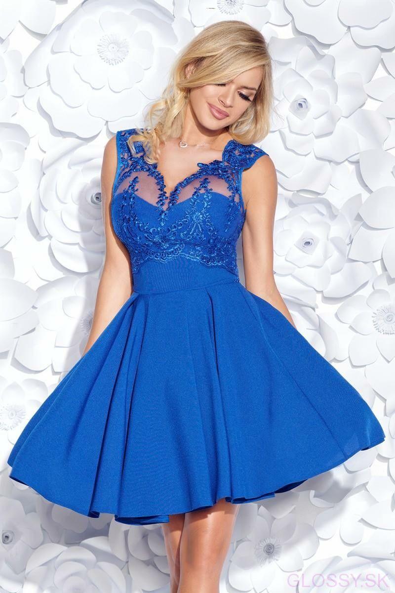 e823547742ee Krásne a ženské šaty s čipkou na vrchu bez rukávov s imitáciou korzetu. Na  chrbte