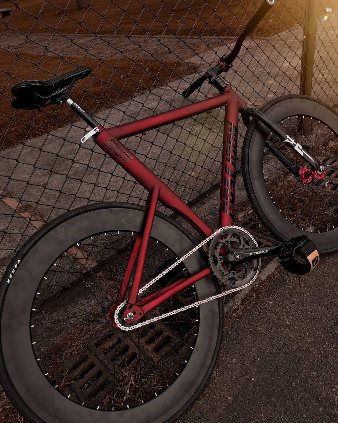 stile classico presa di fabbrica sporco a buon mercato Fast ride🌠 . . . #fixedgear #cycling #bogota #bike   Bicycle ...