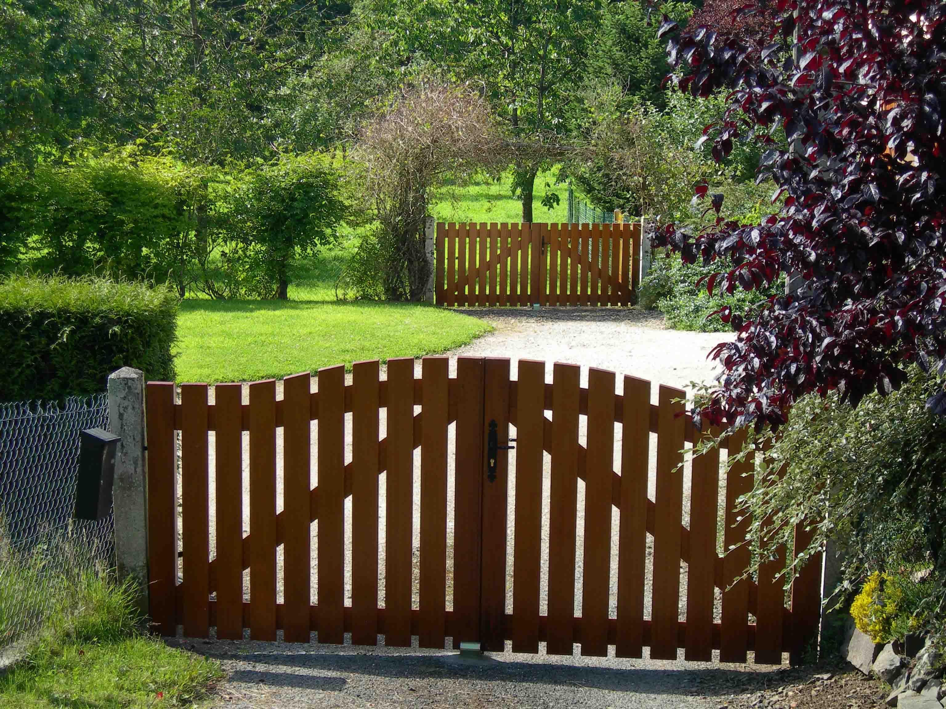 Simple Wooden Gates In A Beautiful Normandy Garden Gardens
