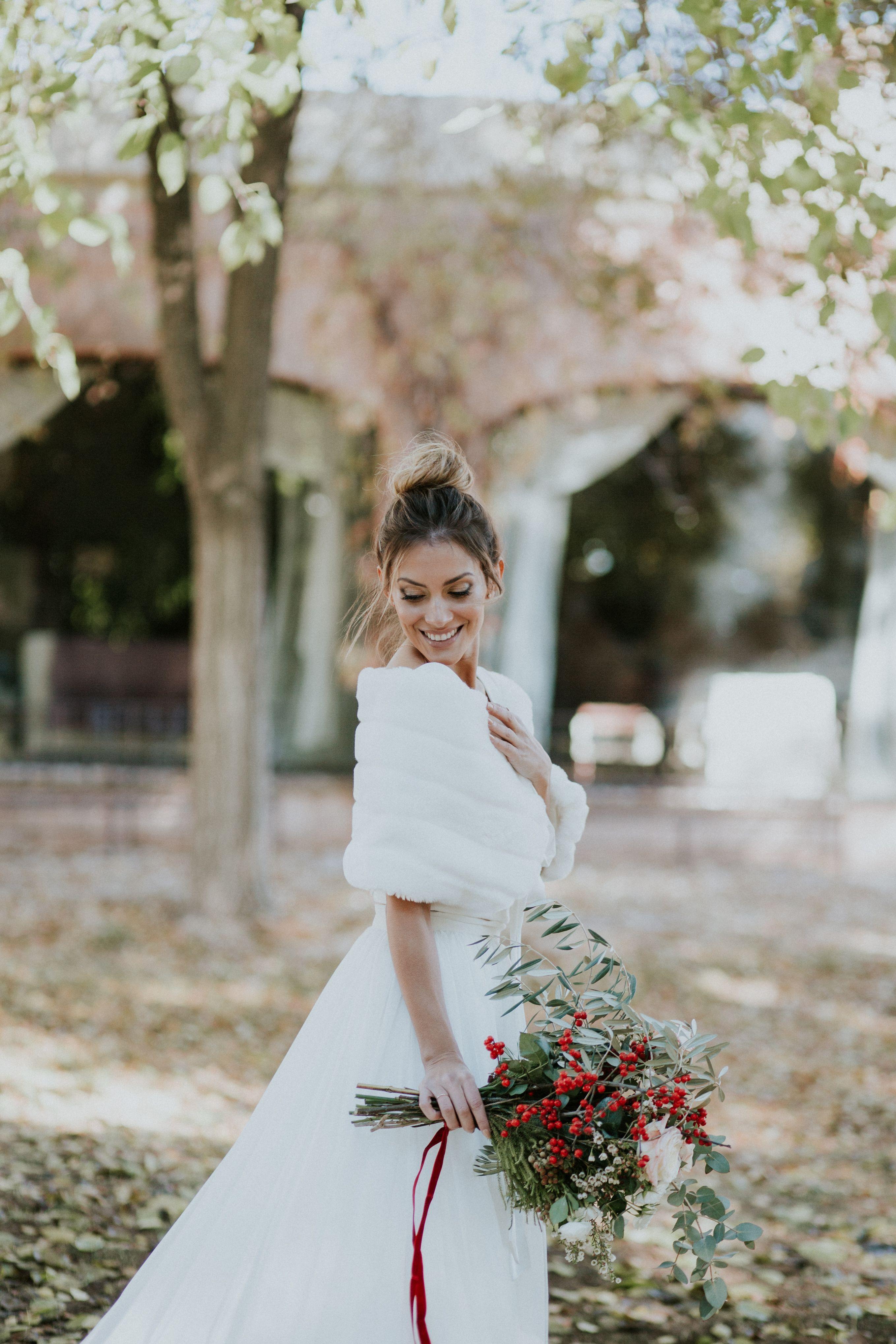 Marisa wedding dress  Una Boda Rústica en Navidad  Weddings with Love  Wedding Planner