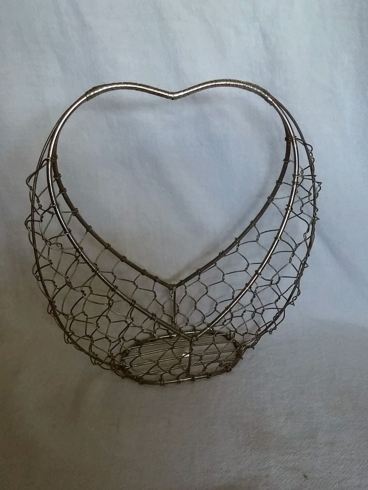 Vintage Primitive Metal Heart Shaped Chicken Wire Basket 8.5 ...