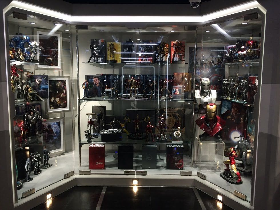 Collectible display case design display cabinets for Hot toys display case ikea