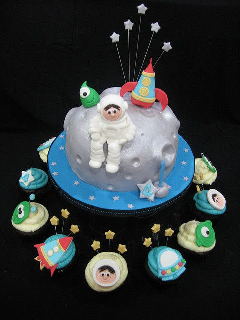 Prime Space Birthday Cake Cupcakes Cupcake Birthday Cake Funny Birthday Cards Online Hendilapandamsfinfo