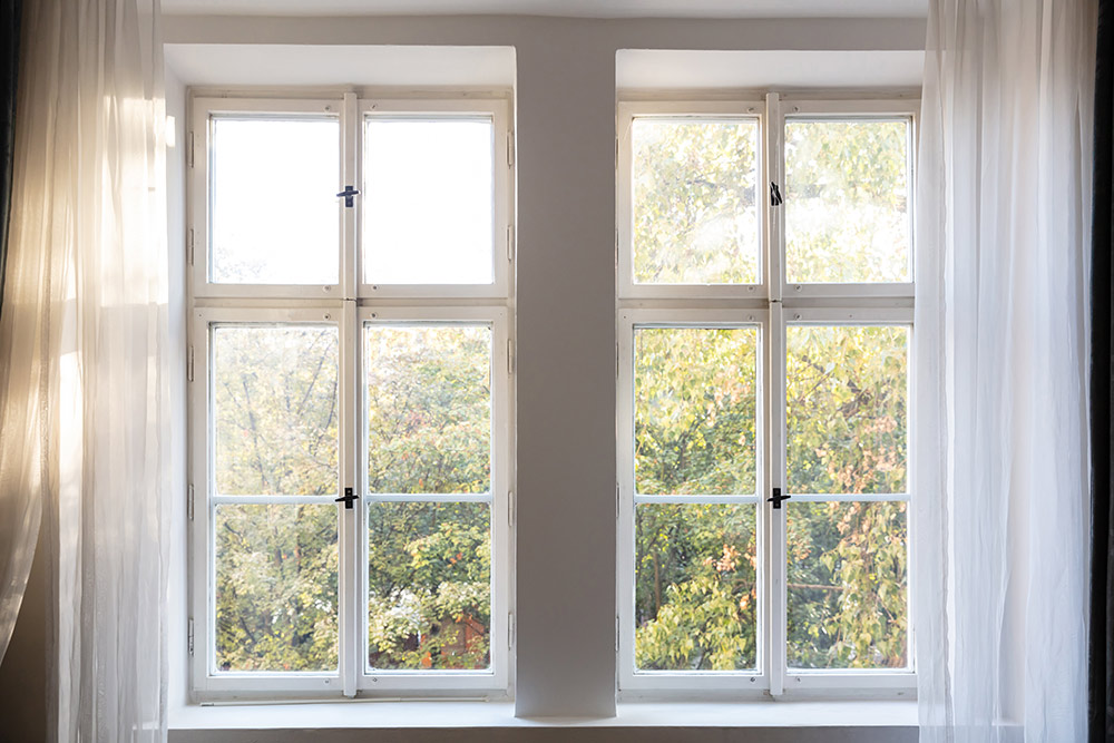 Repair Apple Hesperia Wood Framed And Casement Windows Glass Repair Apple Valley Commercial Window In 2020 Glass Repair Casement Windows Casement