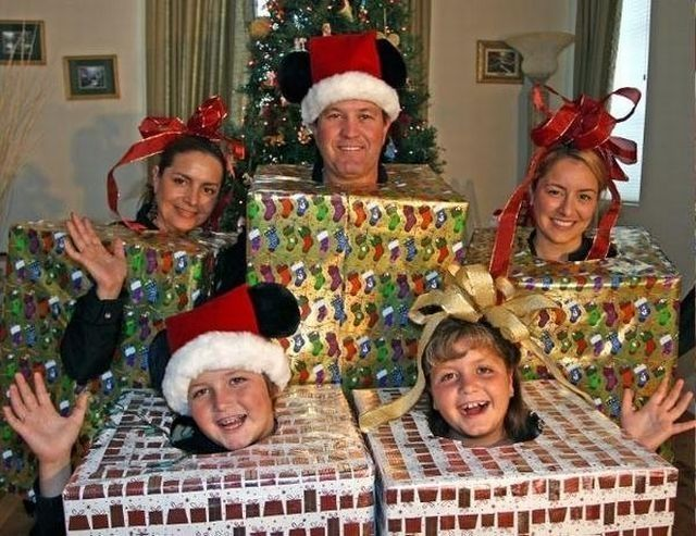Funny Family Picture Ideas