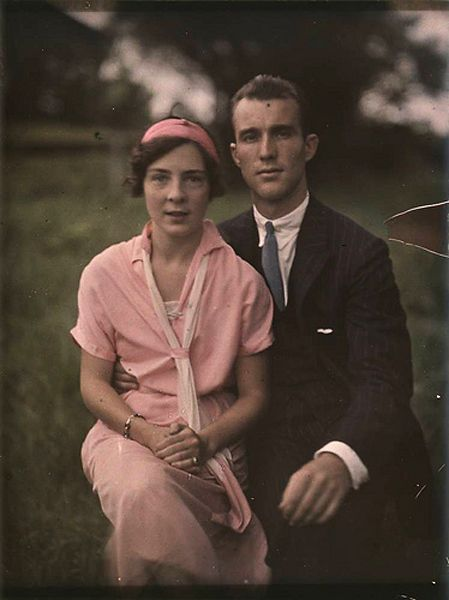 Couple from 1910, excellent collection of colored photos from the turn of the century