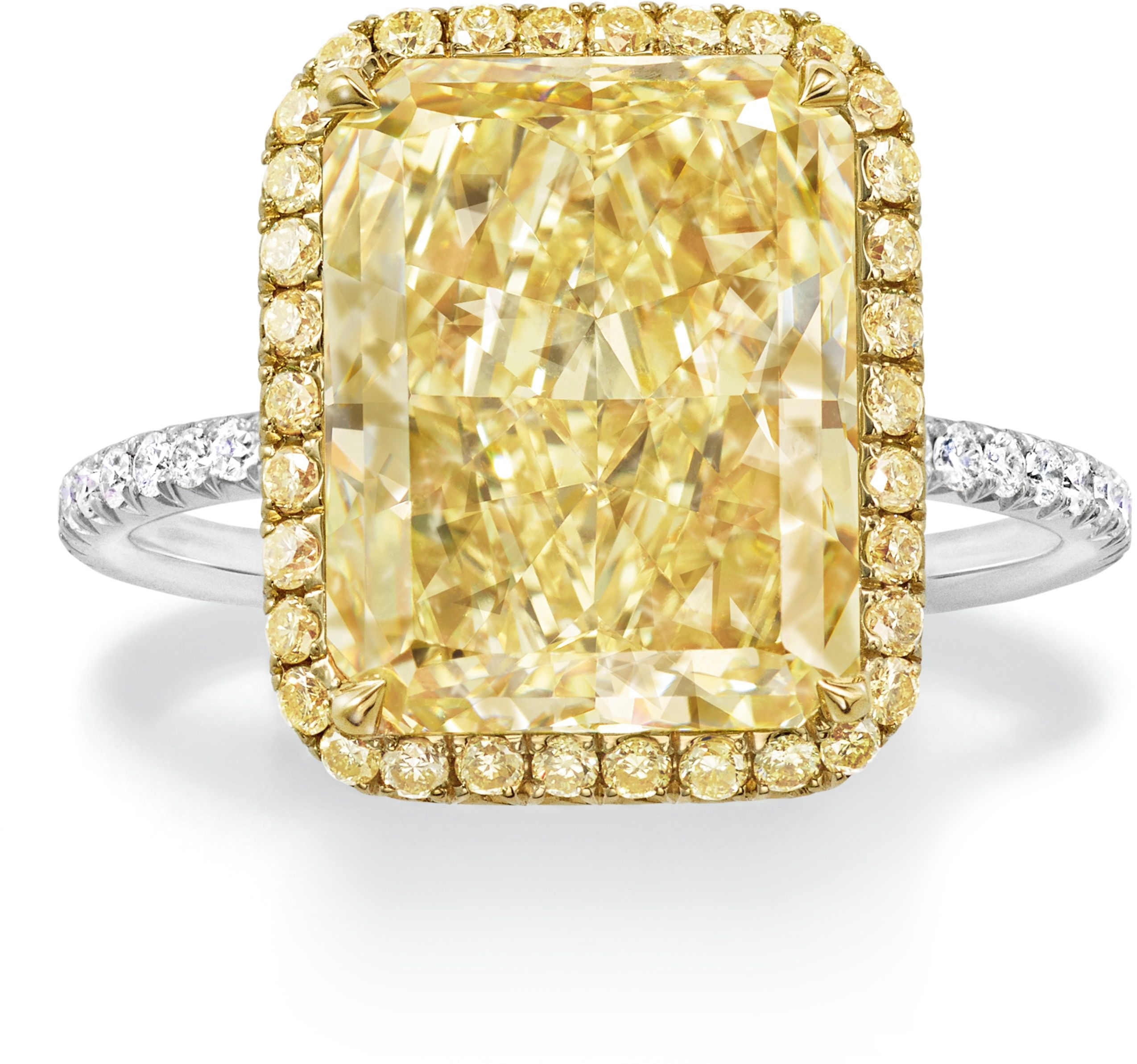 20 Totally Over The Top Engagement Rings Luxury Engagement Rings Most Expensive Engagement Ring Top Engagement Rings