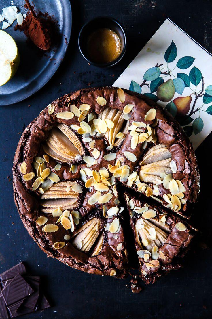die besten schokoladen birnen brownies -  rezept mit birnen pear brownies recipe foodstyling food photography zuckerzimtundliebe birnenkuchen schokoladenkuchen backen herbstkuchen backen im herbst