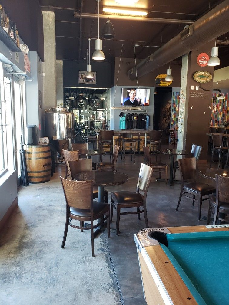 Pour House Brewing in Tampa, Florida is small and