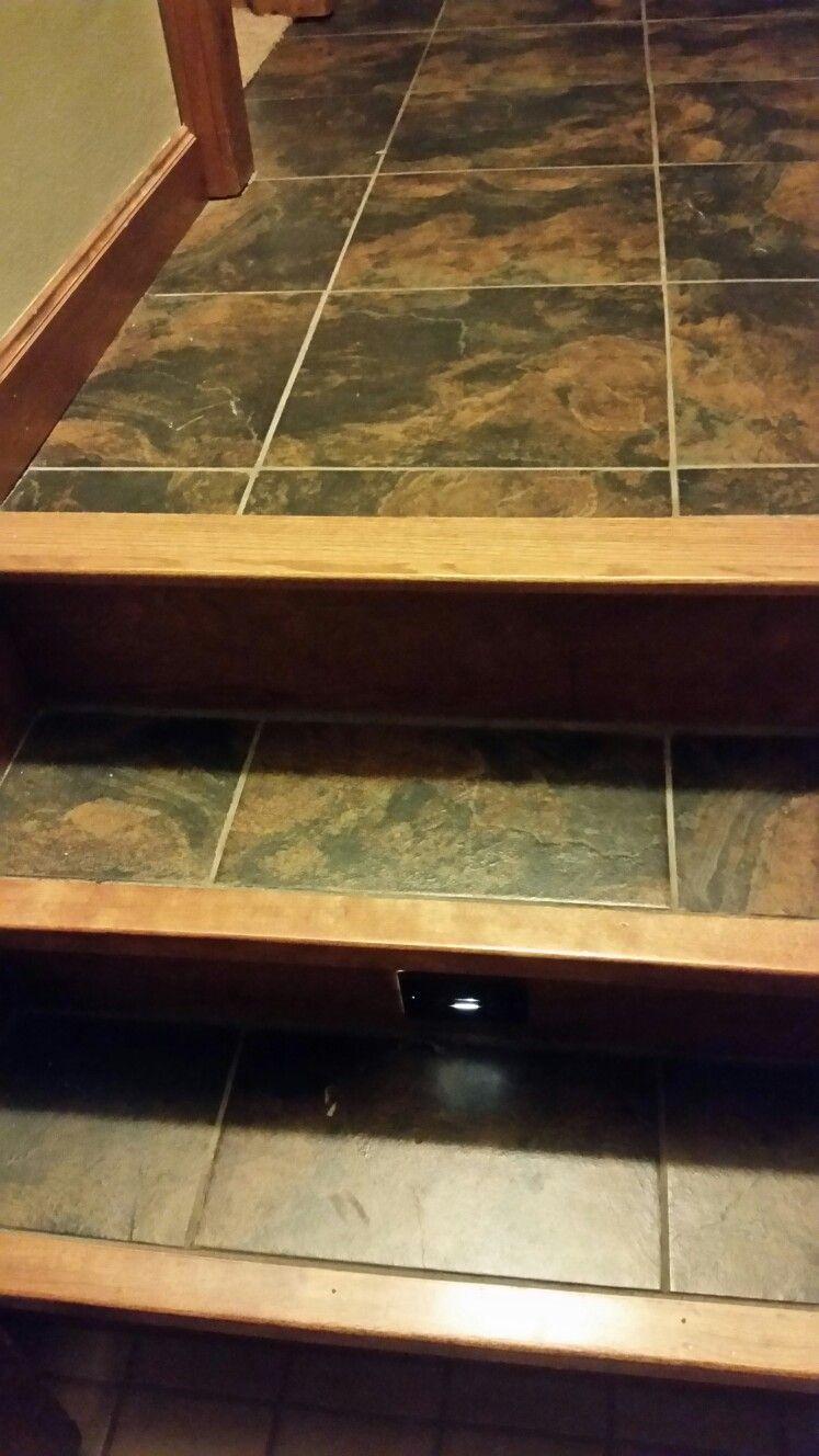 Wood Floor Tile On Stairs With Metal End Cap Piso Para Escaleras Decoracion De Escaleras Interiores Diseno De Escaleras Interiores