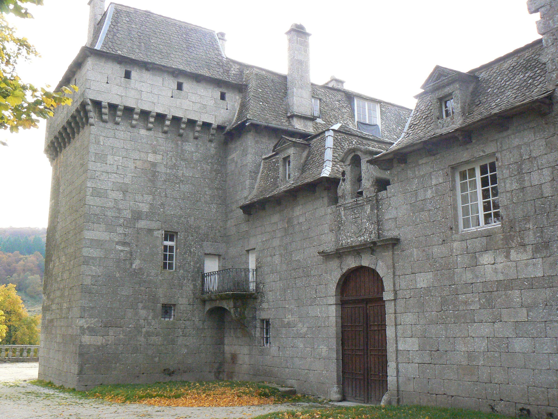 France_Lozère_Prinsuéjols_Château_de_la_Baume_14.jpg (2816×2112)