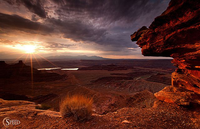 Sunrise at Dead Horse Point, Dead Horse State Park, UT.  by Michael Speed, via Flickr