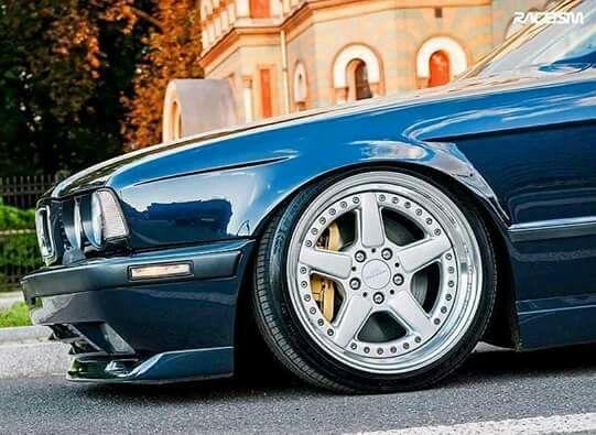 Bmw E34 5 Series Blue Slammed Bmw E34 Bmw Bmw E30 Cabrio