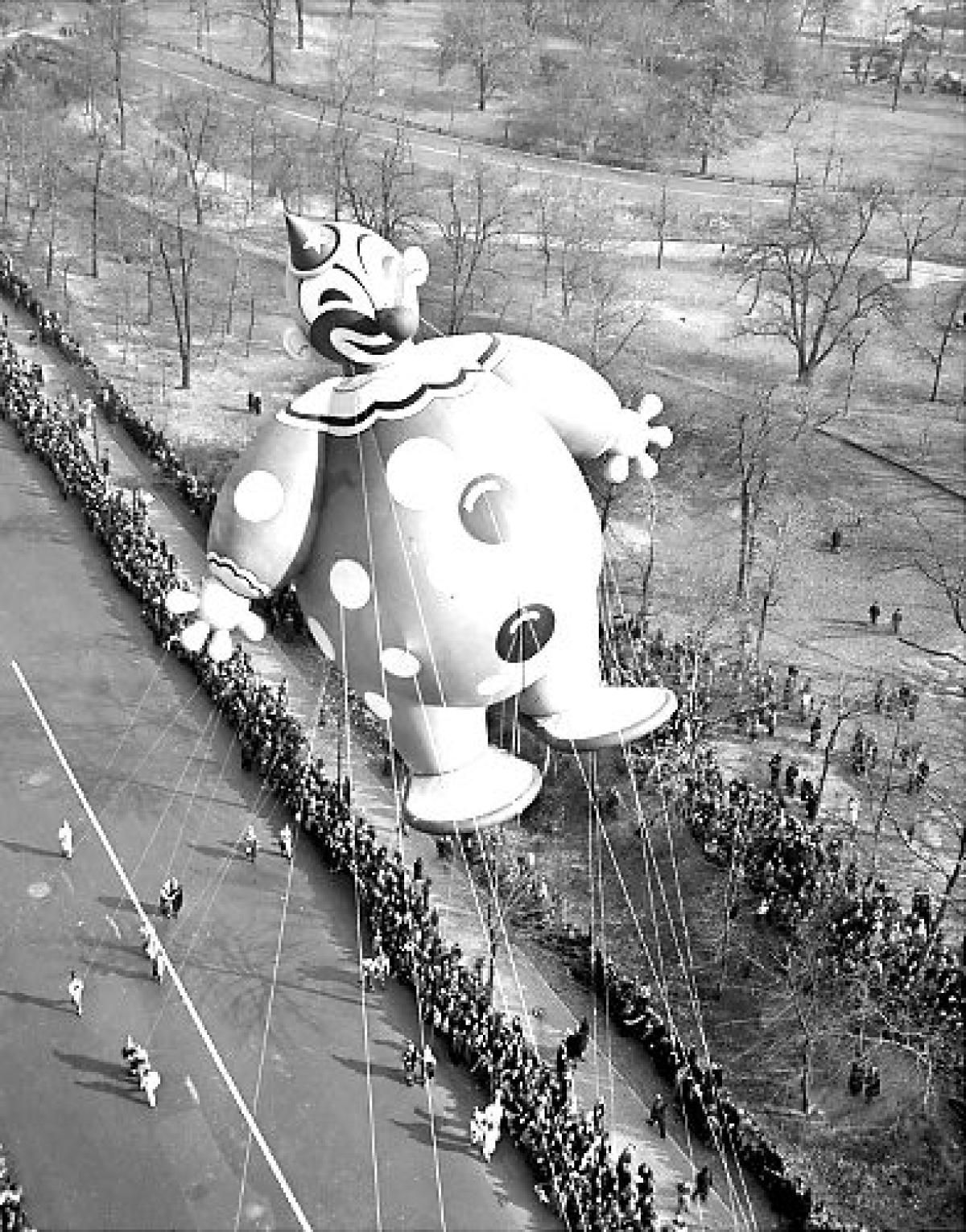 He Was 46 Feet Tall And All Gas Helium That Is This Overwhelming Gent Floating Macys Thanksgiving Parade Thanksgiving Parade Macy S Thanksgiving Day Parade