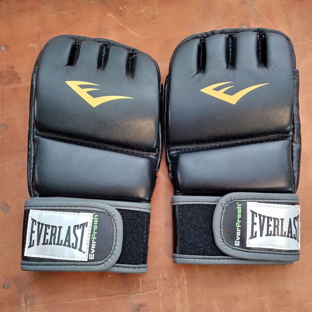 100325d6ac0 Boxing Gloves For Sales - Boxing Gloves Ideas  boxinggloves  boxingglove   boxing Everlast 4301SM Small Medium Heavy Bag Gloves New Train Advanced  Wristwrap ...