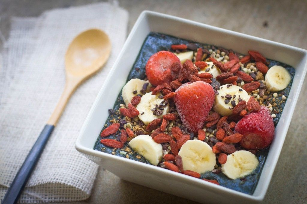 The ultimate Acai bowl! This will keep you full for hours, help with cravings, weight loss, energy & beautiful skin! Oh, and it's delicious too!! ♥