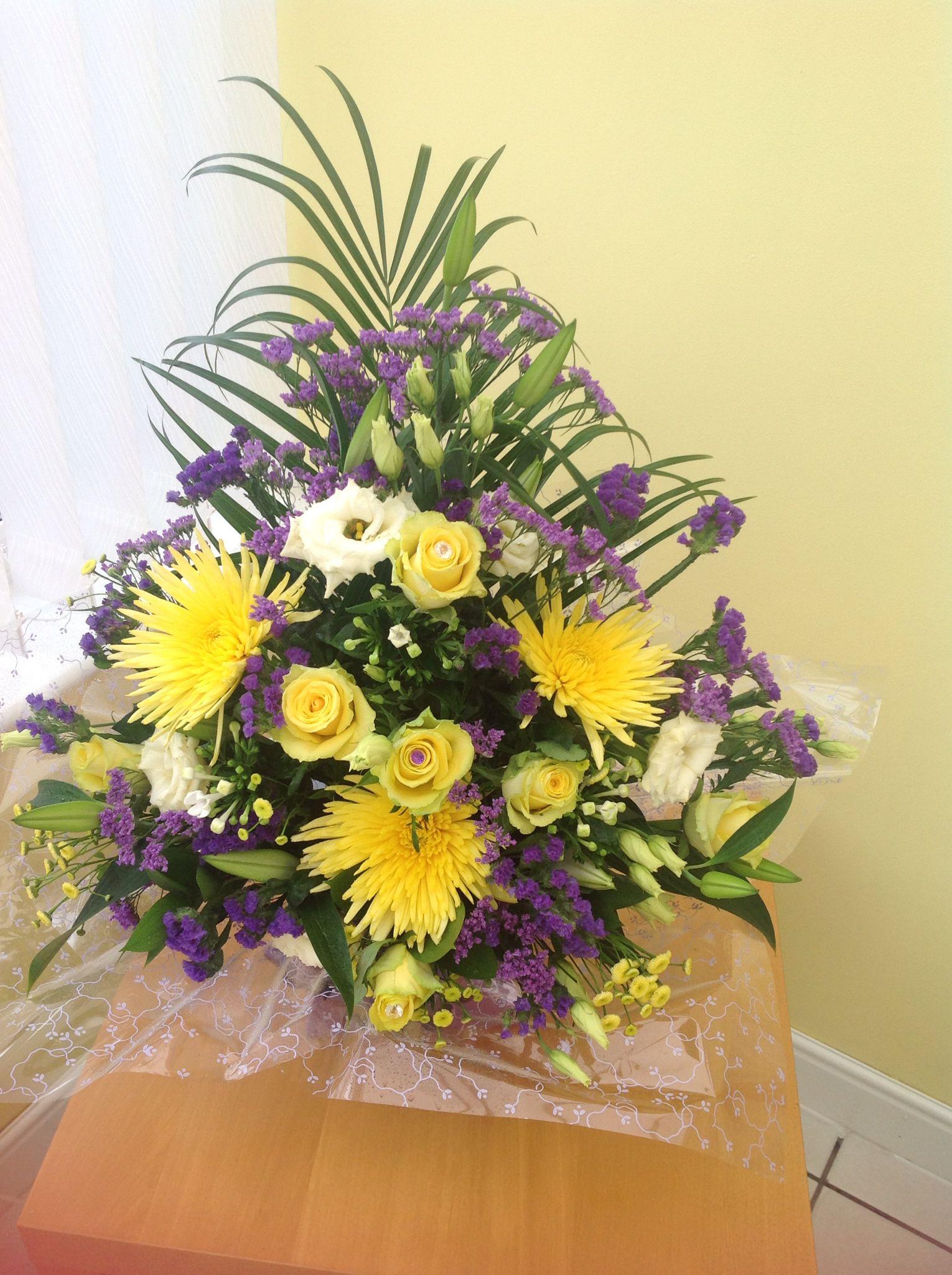 Front facing box arrangement Floral wreath