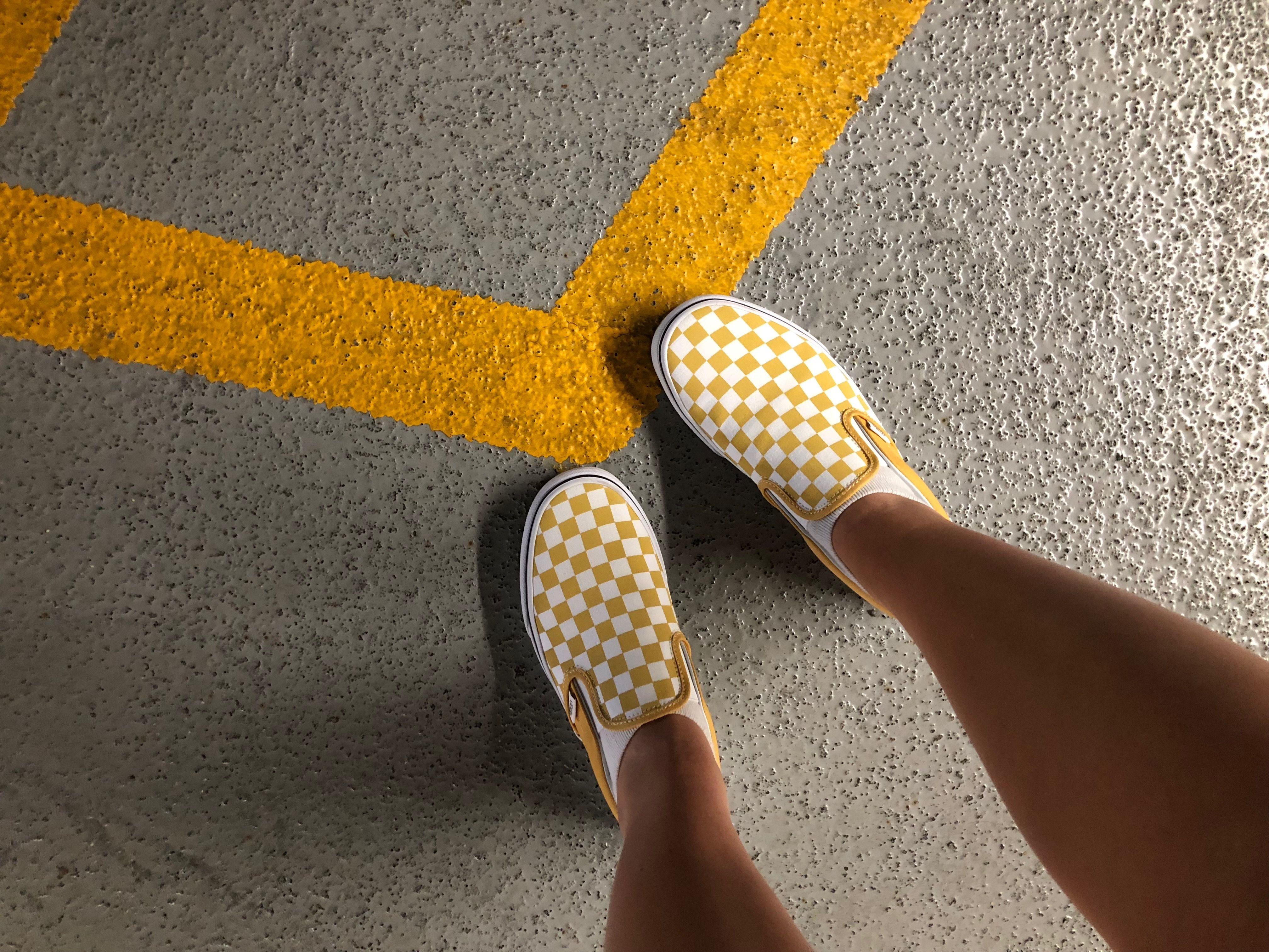 Checkerboard Chicks Via Amandahoook Tenis Sapato Sapatos