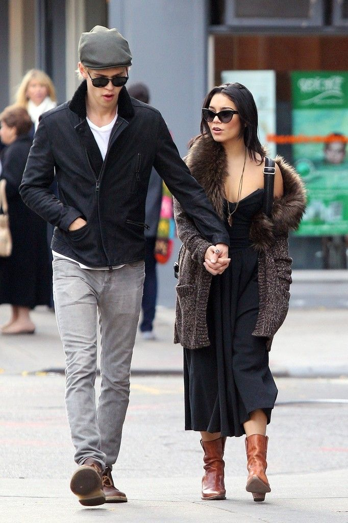 "Vanessa Hudgens - Actress Vanessa Hudgens cheerfully visits her boyfriend Austin Butler during a break from filming ""The Carrie Diaries"" in New York City"