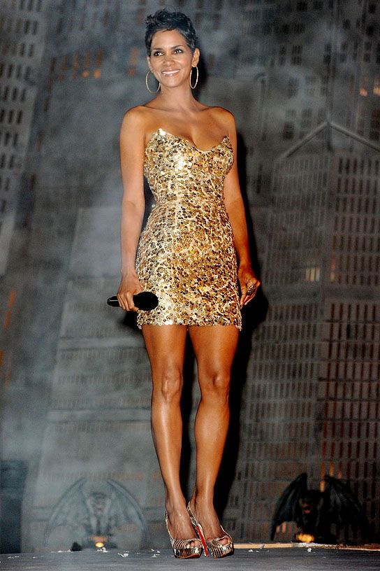 Image Detail For Who S Got The Best Legs In Hollywood Vote Celebrity News Online Halle Berry Hot Halle Berry Style Halle Berry