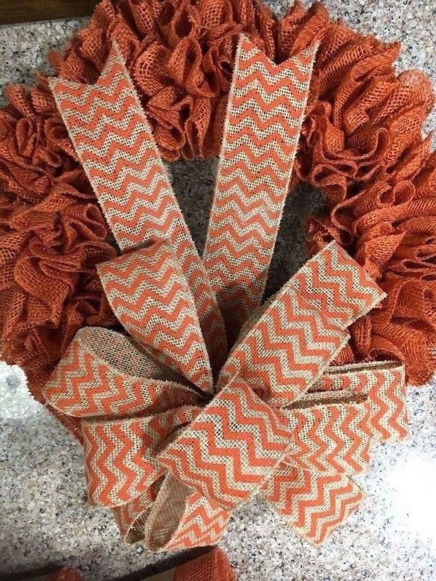 Photo of Burlap wreaths don't have to be difficult. Try this simple burlap wreath method …
