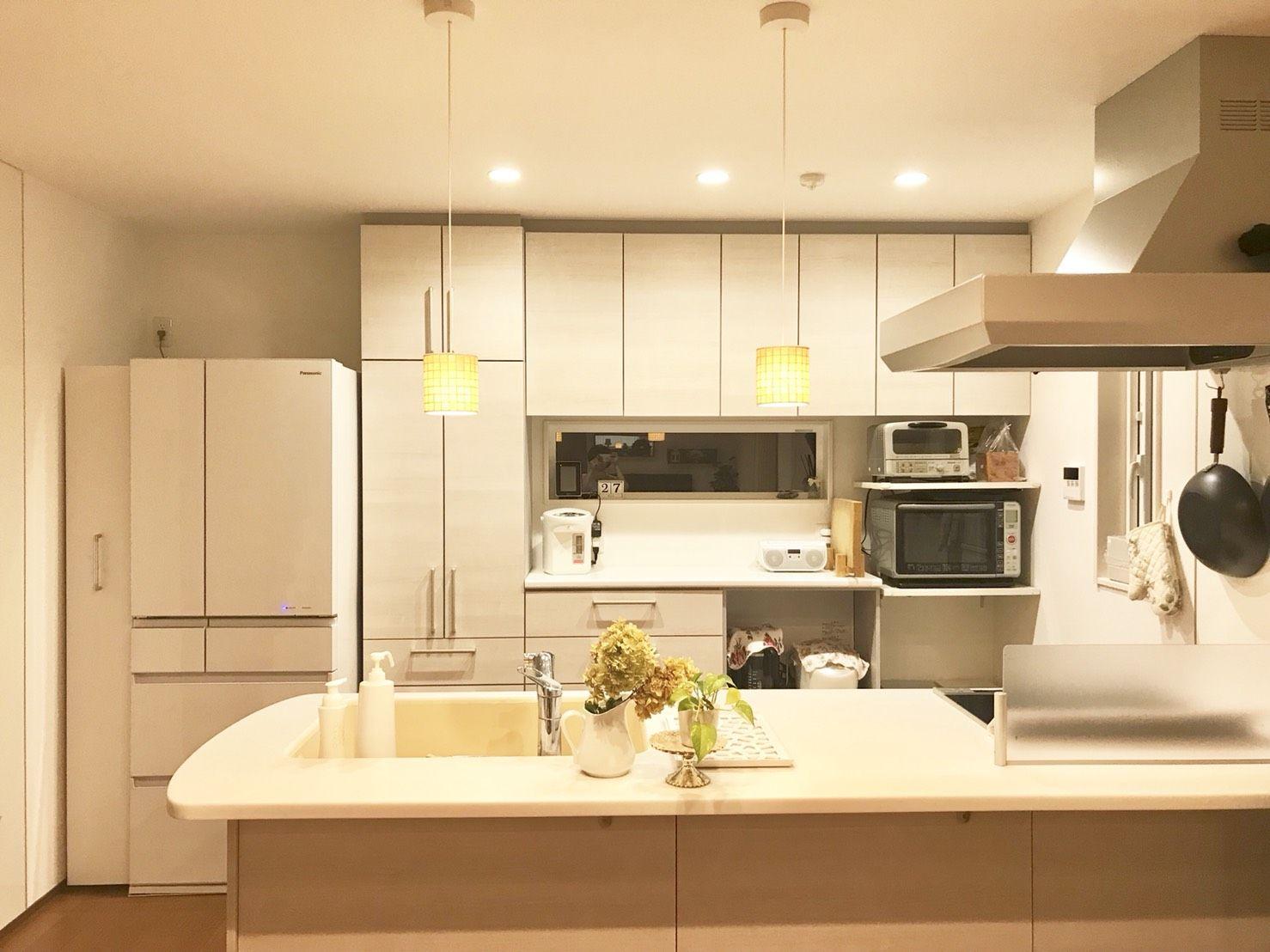 将来置くであろう冷蔵庫サイズを見据えて食器棚の巾を決めてはどうか 冷蔵庫を置くスペースは広めに確保してはどうか という話 aさんちのキッチン全景 掲載許可を 冷蔵庫 サイズ リビング キッチン リフォーム 間取り