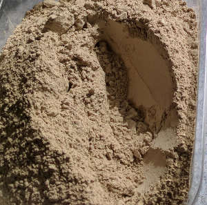 Diatomaceous earth and how to use it for chickens