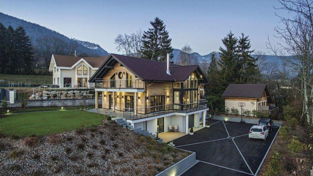 Modernes Holzhaus mit Satteldach - WeberHaus Genfer See ...