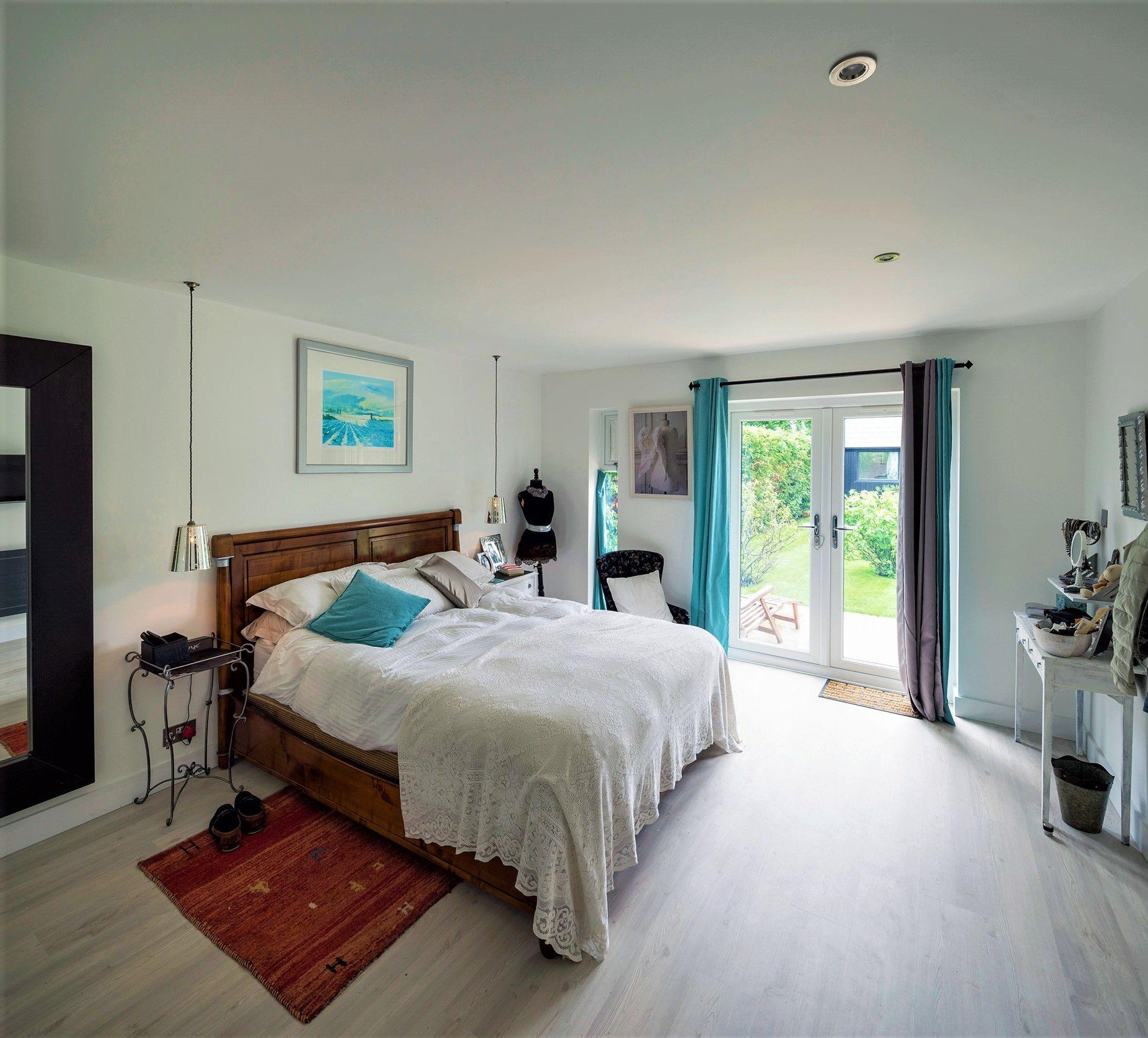5 Bedroom / 5 Bathroom / 1 Garage Open-Plan Bungalow Plans ...