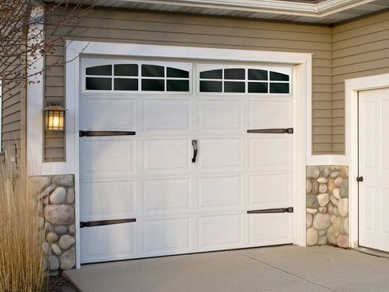 10 Ft Garage Door With Craftsman Style Home Interiors Garage Doors Garage Door Decor Garage Door Windows