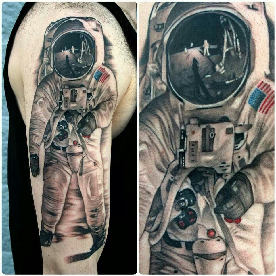the astronaut on moon tattoo - photo #22