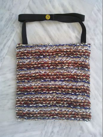 383b7a00df Χειροποίητη τσάντα από μάλλινο πλεκτό ύφασμα.