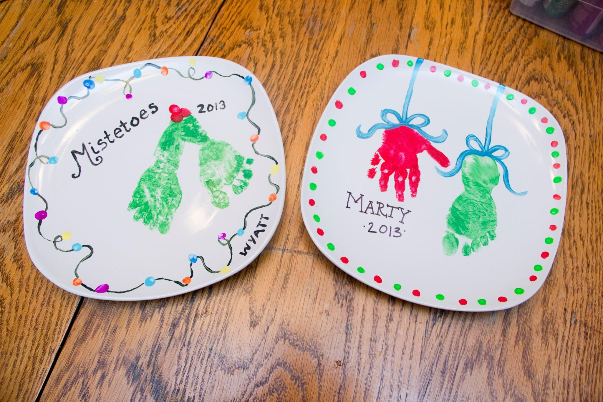 Painted Christmas Plates We Used Acrylic Paint But It Would Have Been Better To Use Ceramic Paint So Th Hand Print Tree Christmas Plates Kids Christmas Plates