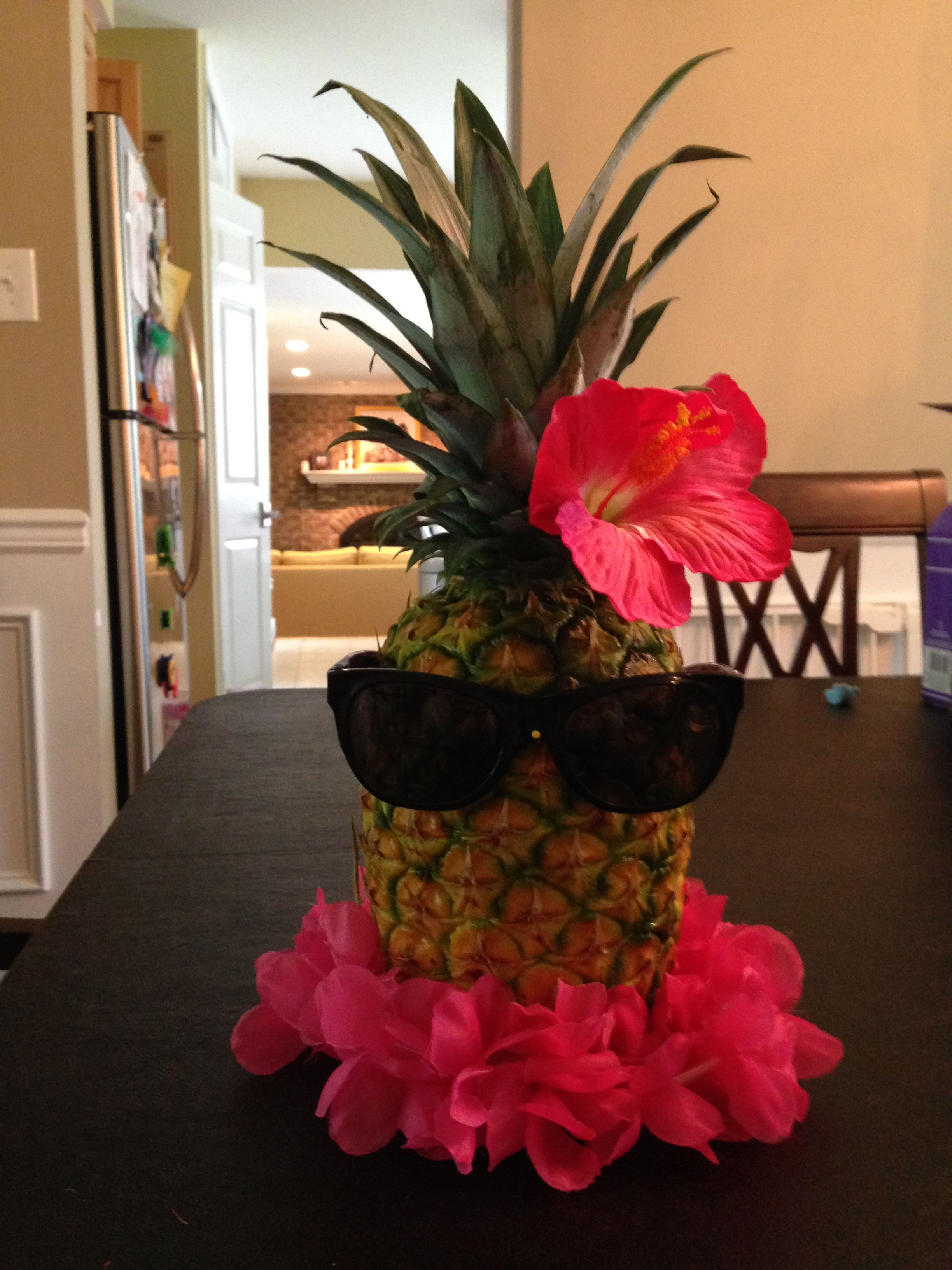 Pineapple centerpiece pinteres for Ananas dekoration