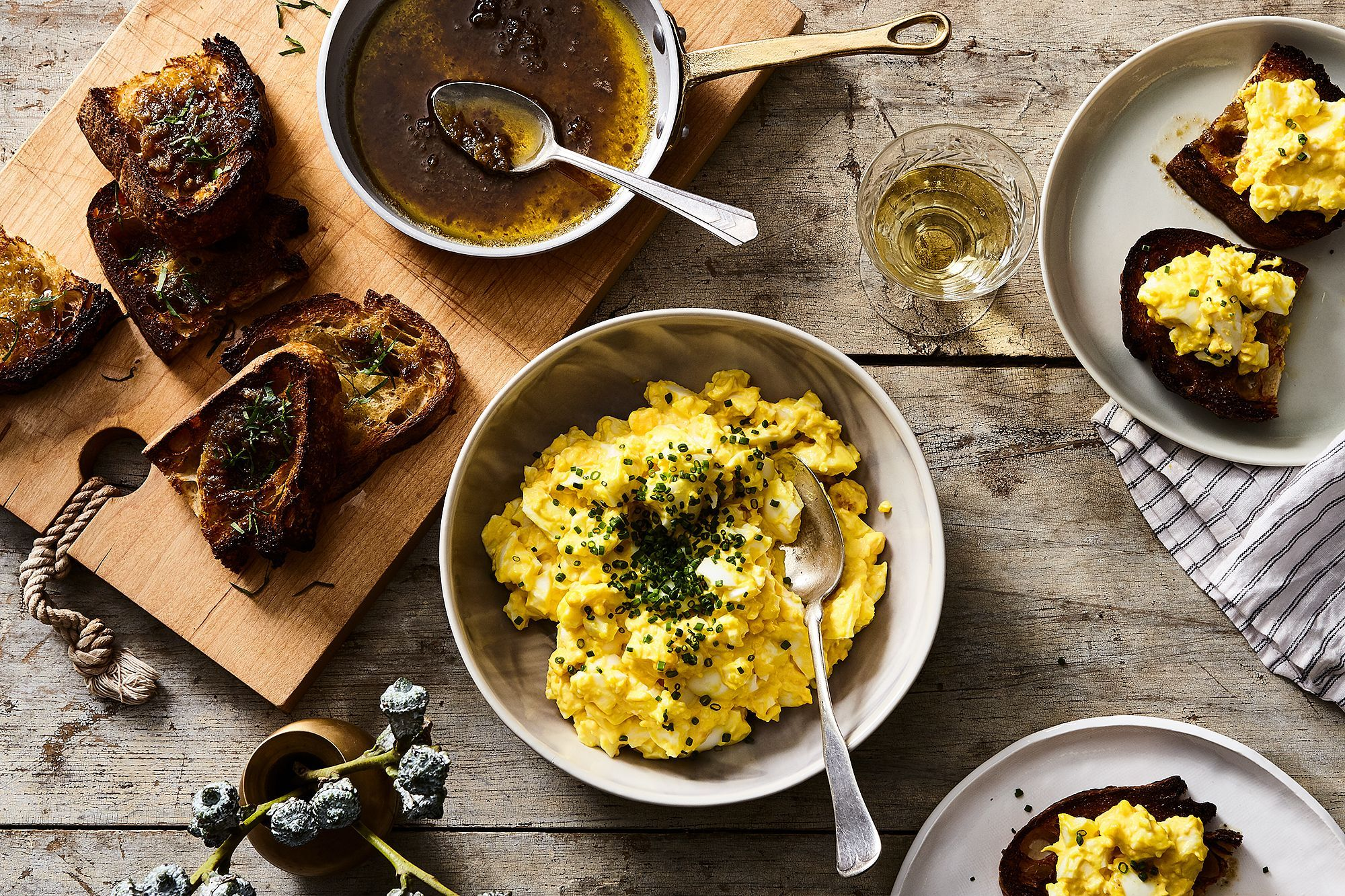 Nancy silverton s egg salad with bagna cauda toast receita
