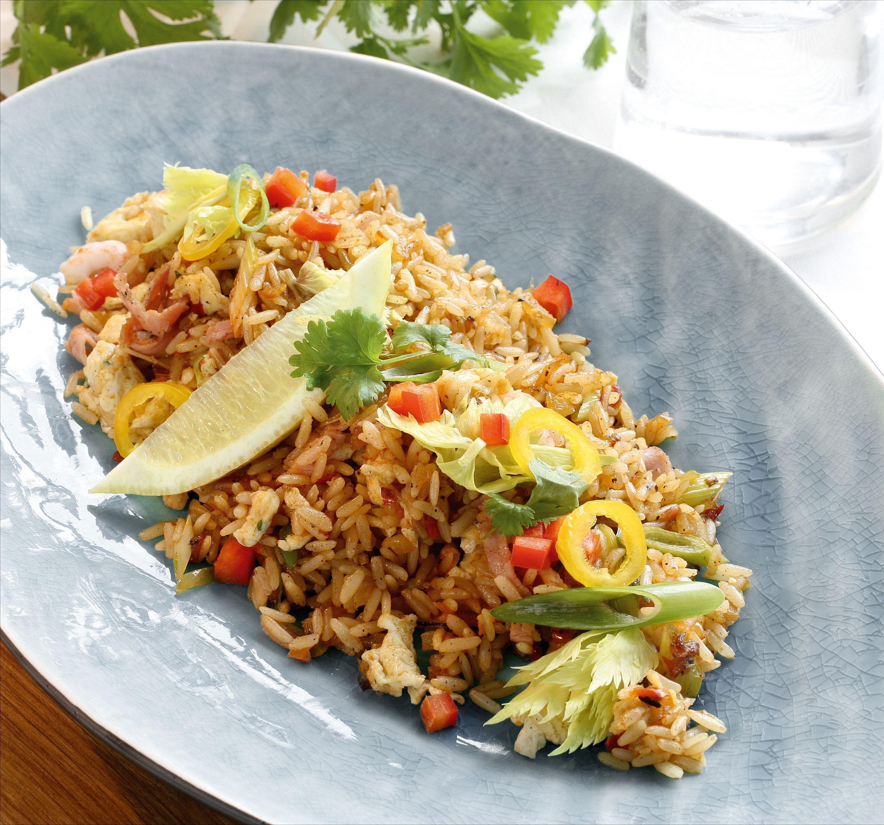 Gör din egen Nasi Goreng och bjud på Indonesiskt! Snabblagat.