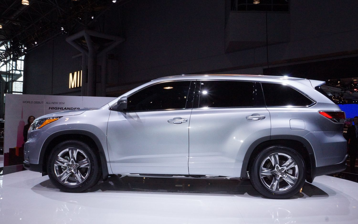 2016 toyota highlander full size suv side after the 2015 model toyota highlander is presently prepared to supply the auto market with a brand new