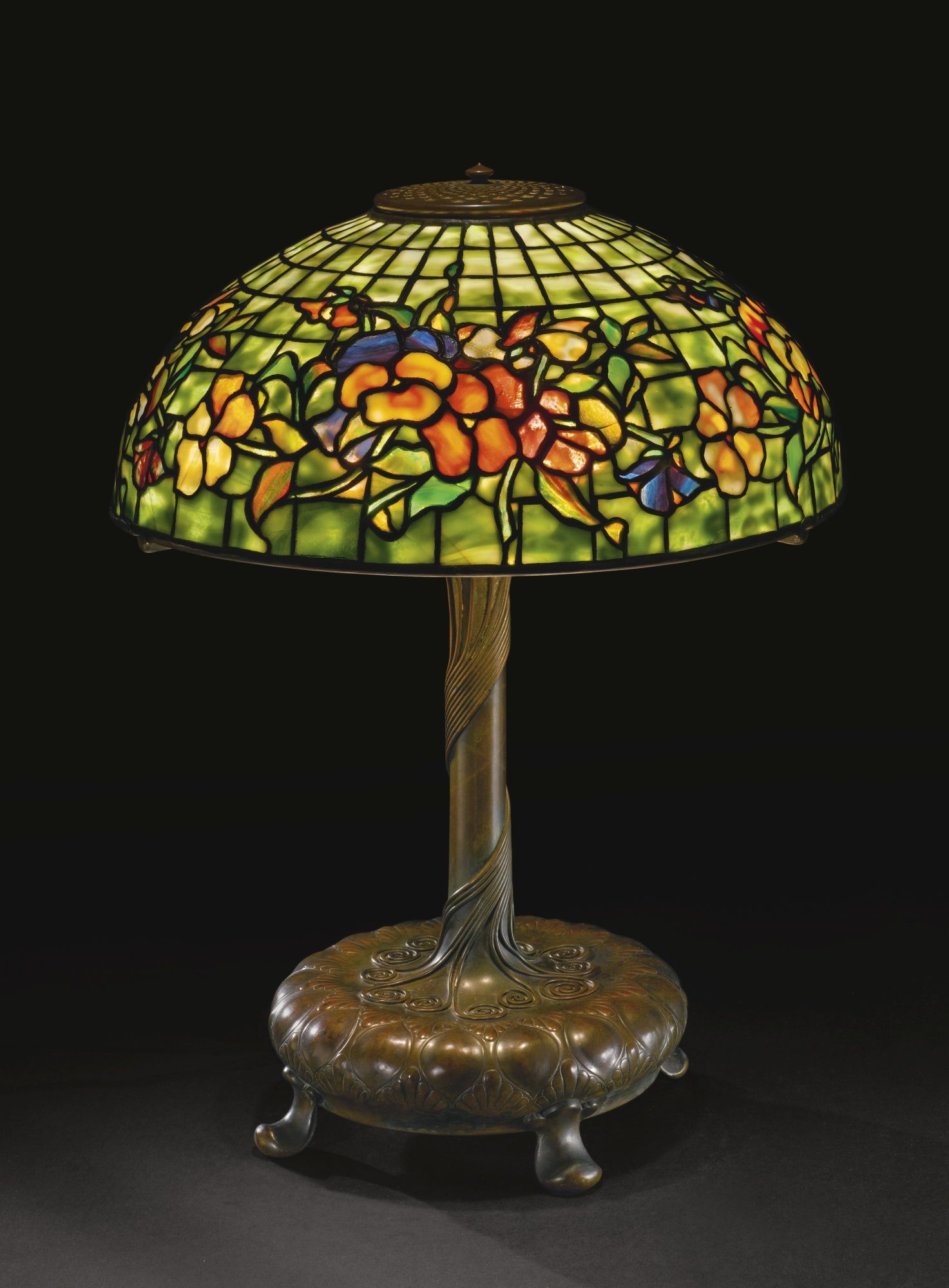 "Tiffany Studios ""PANSY"" TABLE LAMP Stained glass"