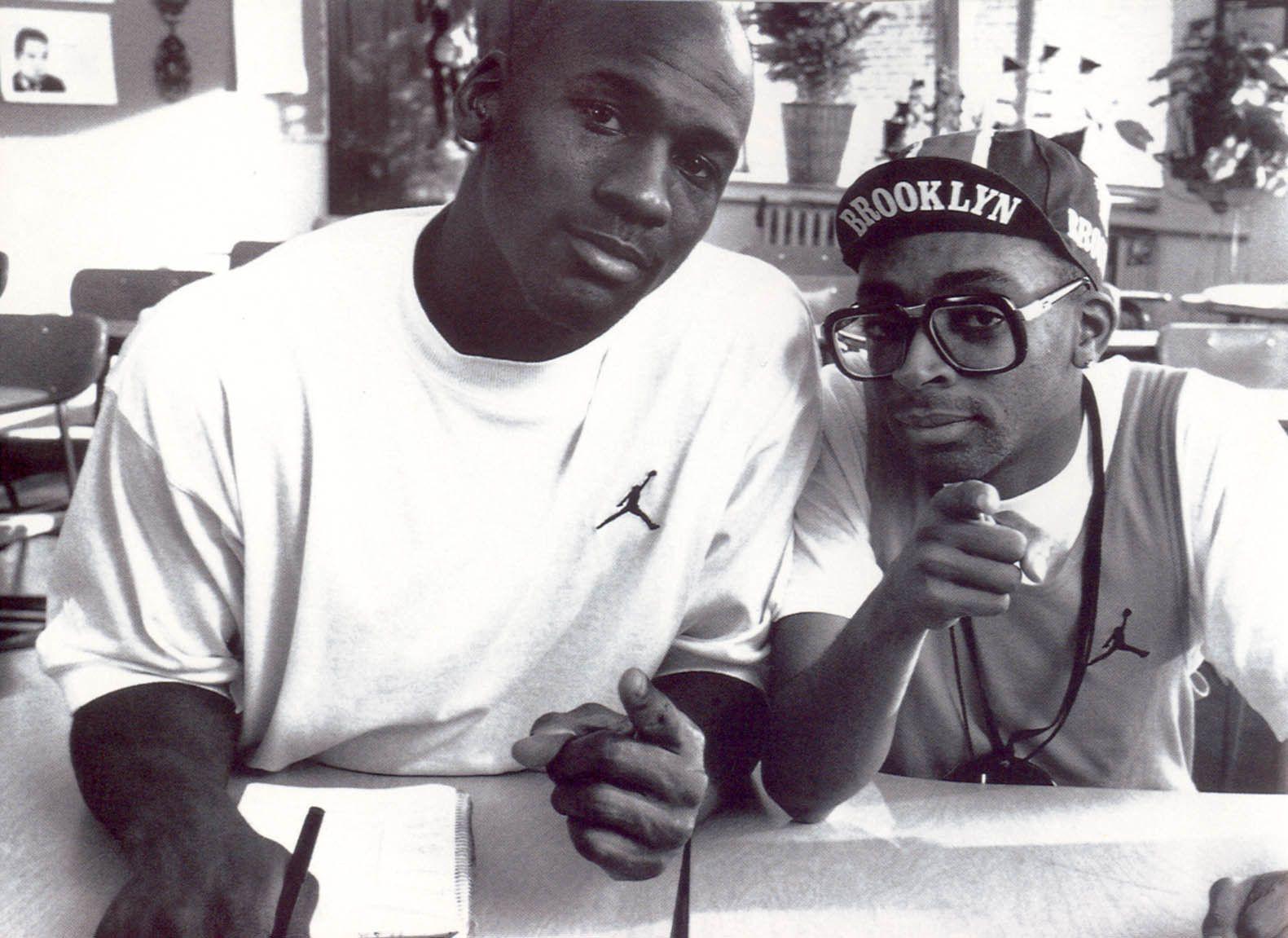 Michael Jordan And Spike Lee Learnist Spike Lee Michael Jordan Stylish Celebrities