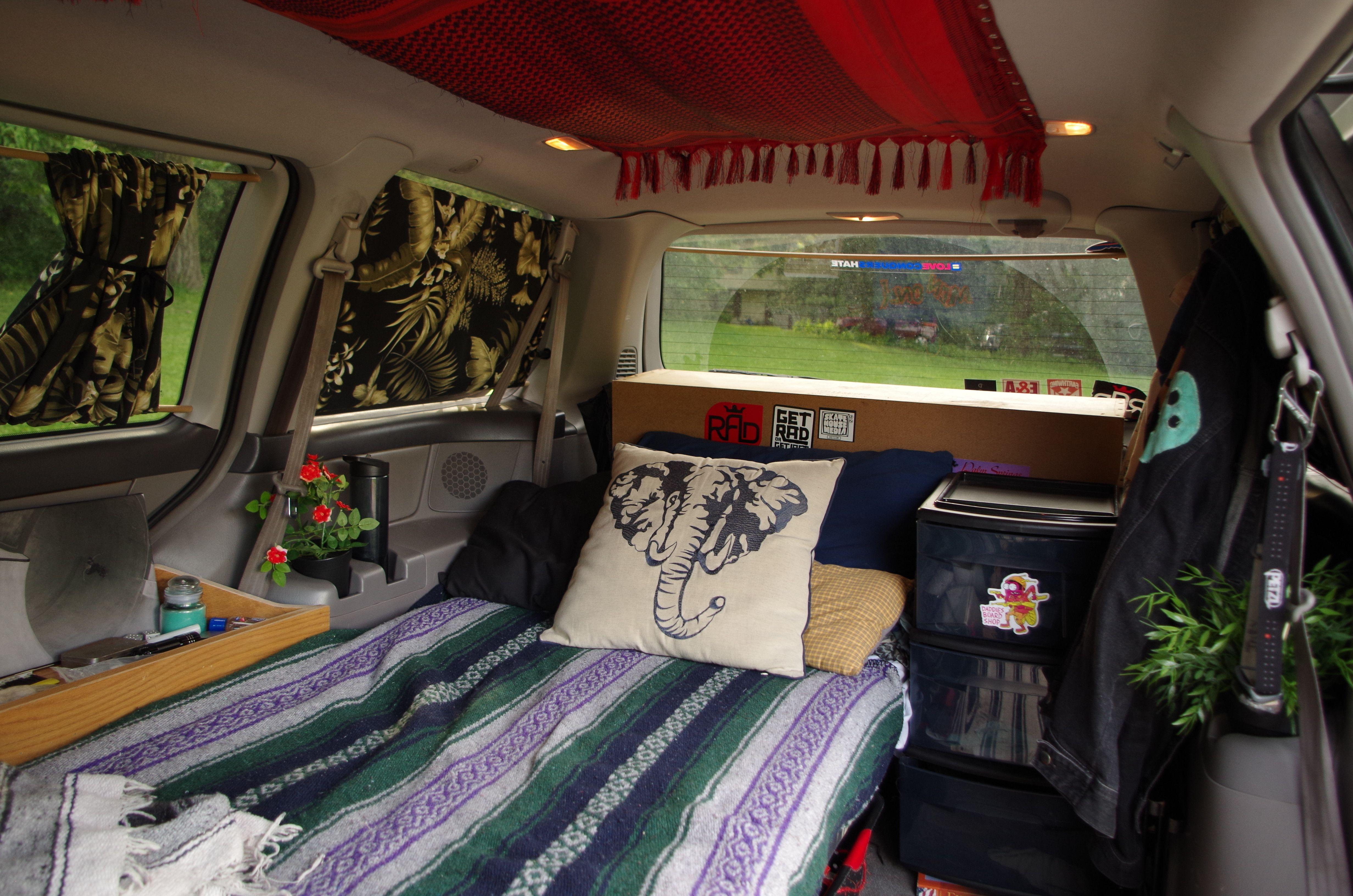 A look into mini van dwelling Vanspirational Pinterest