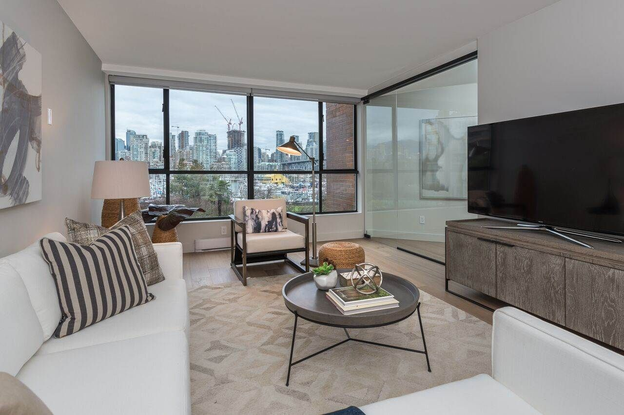 Find your next 1 bedroom condo in False Creek and browse