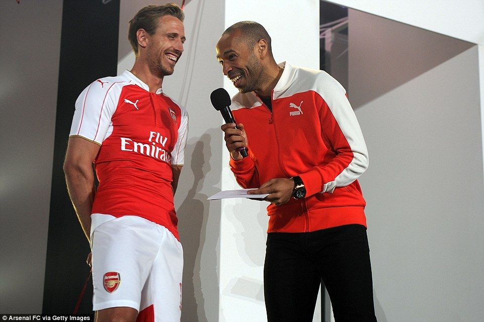 Arsenal reveal new Puma home kit for 2015-16 season as Thierry Henry and  Danny Welbeck help launch at the Emirates Stadium  fe47eeb03