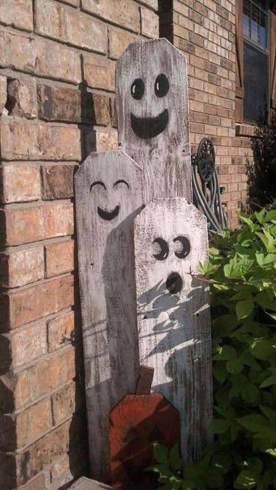 36 Never Seen Wicked Outdoor Halloween Decorations for a Spine - outdoor ghosts halloween decorations