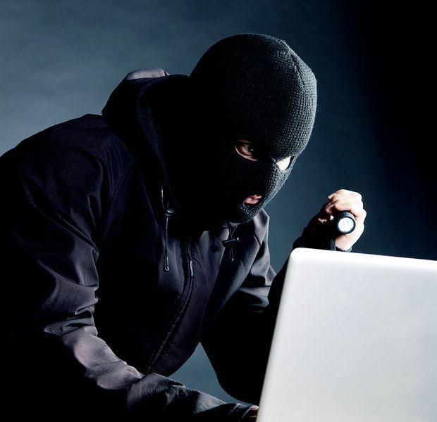 """Une TPE sur deux victime de cyberattaque.  Selon une étude de la CGPME, les petites et moyennes entreprises sont malheureusement nombreuses à faire l'objet d'actes de """"cybermalveillance"""". Le piratage de leur système d'information est monnaie courante."""