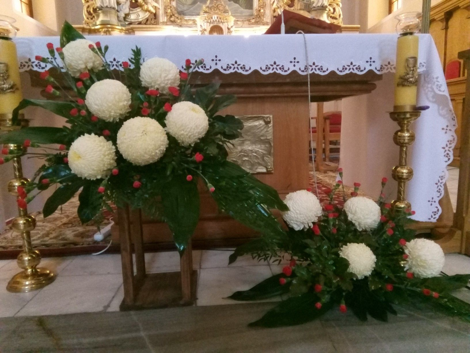 1 Listopad 2019 Altar Decorations Flower Arrangements Christmas Wreaths