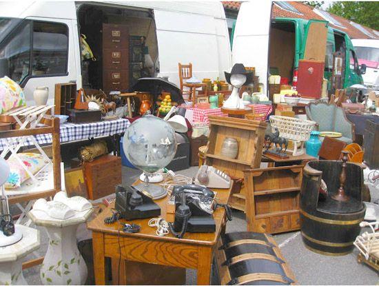London Tour Sunbury Antiques Market