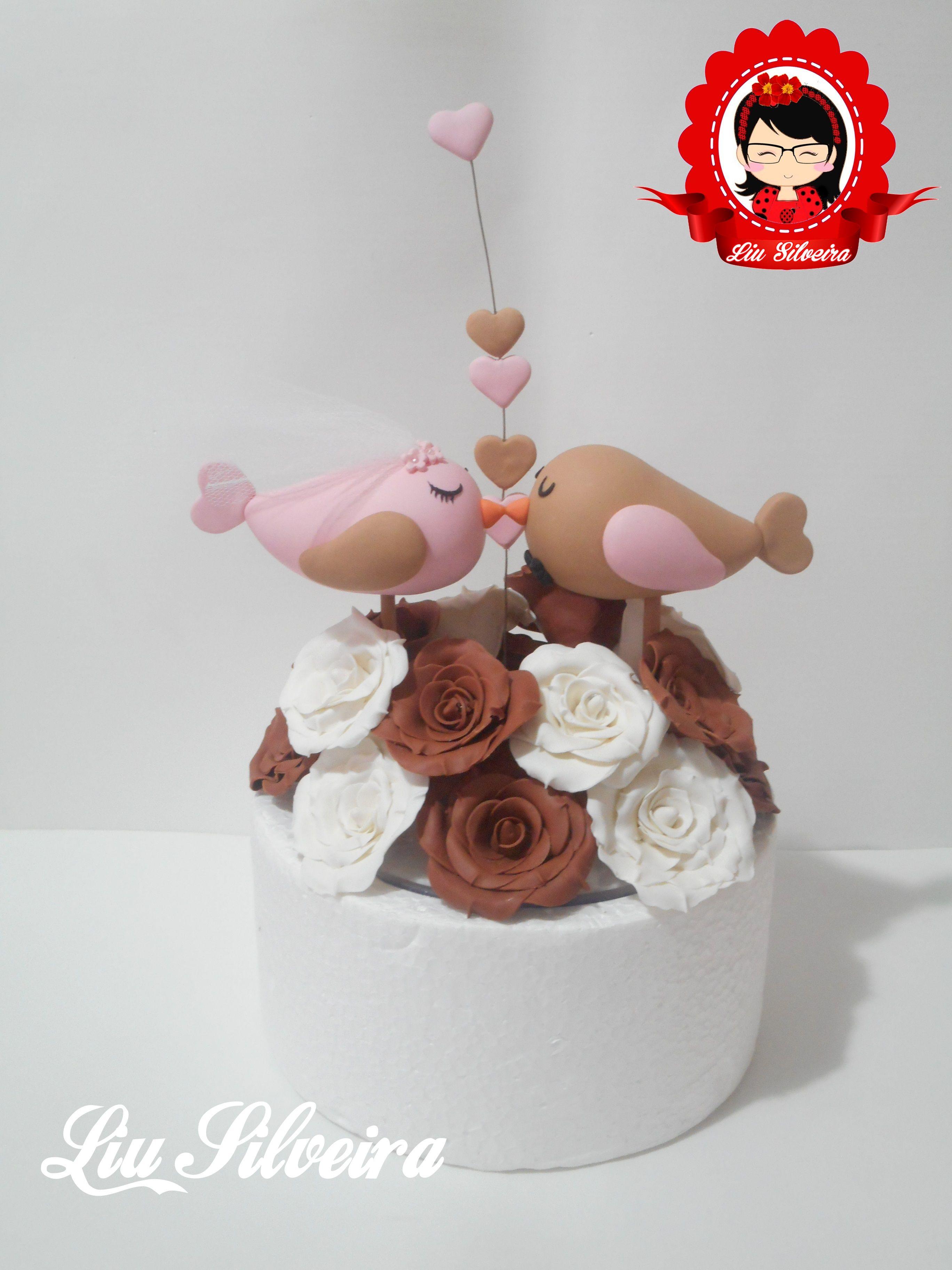 Topo de bolo Pombinhos