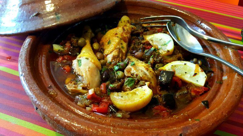 La cuisine & Claudine: Tajine de poulet aux aubergines et citrons confits...