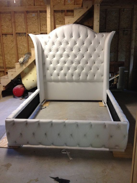 Luxurious Wingback Tufted Bed with Rhinestones | Diamante de ...